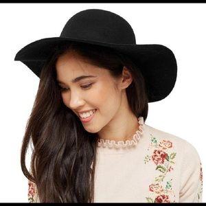Forever 21 Black Floppy Brim Women's Hat